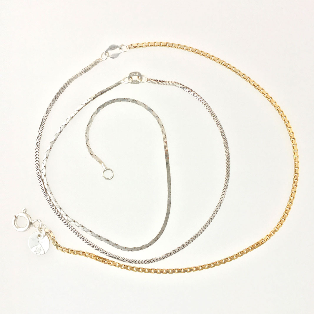 3 Chain Jewelry Thin #9, made of three types of vintage (gold-plated) sterling silver chain.